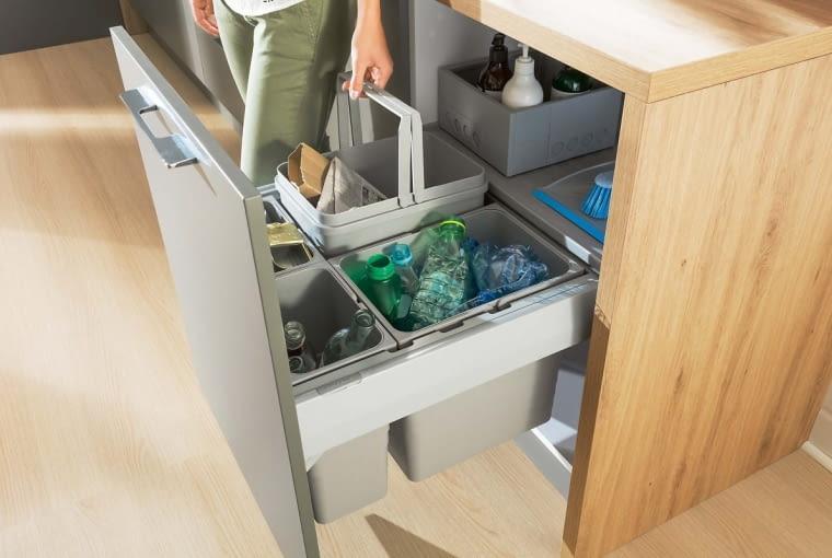 System segregacji odpadów Ninka, tworzywo sztuczne, do szafek o szer. od40 do 90 cm. Na zamówienie. Häfele