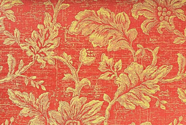 Tkaniny jednobarwne były rzadkością, lubowano się bowiem w wyrazistych wzorach roślinnych.