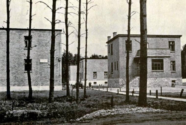 Chełmek, domy dla pracowników