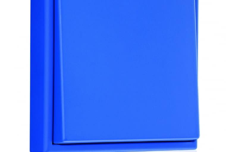 WYŻSZA CENA Le Corbusier/Jung; łącznik pojedynczy, duroplast barwiony, kolory z palety Le Corbusiera Cena: ok. 270 zł