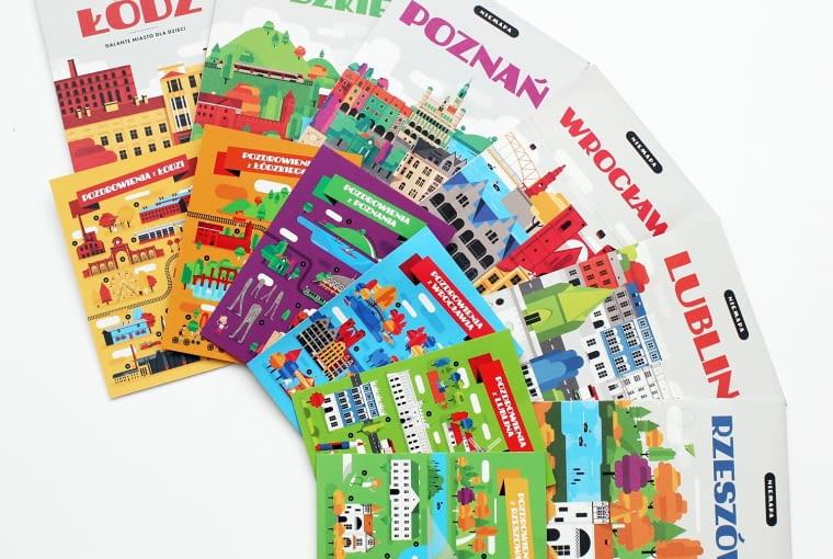 NIEMAPA to seria ilustrowanych przewodników po mieście dla rodzin, które w zabawny i graficzny sposób przedstawiają najważniejsze miejsca, lokalną kulturę, kuchnię, charakterystyczne słowa i ciekawostki, a poprzez gry, zagadki i wyzwania zachęcają do aktywnego poznawania miasta.