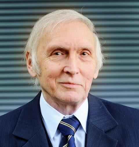 MAREK ŻARNOCH - specjalista z laboratorium badawczego Zakładu Badań Lekkich Przegród i Przeszkleń w INSTYTUCIE TECHNIKI BUDOWLANEJ