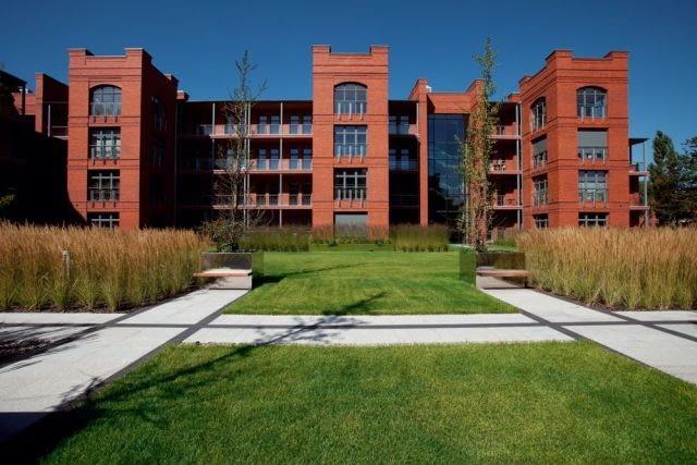 Główny budynek mieszkalny kompleksu City Park