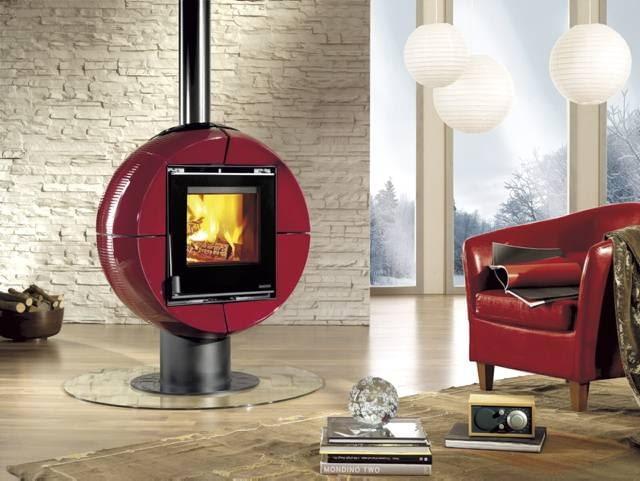 Koza Fireball o mocy 6 kW. Wymiary (wys./szer./gł.): 1096/892/677 mm