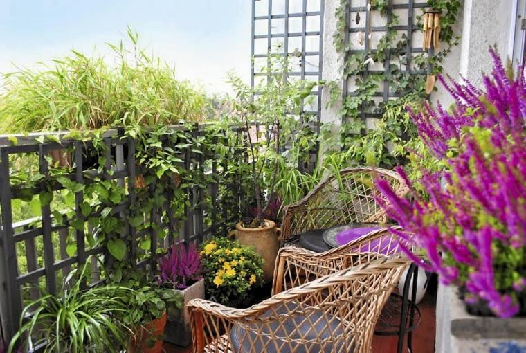 Balkon w babcinym stylu