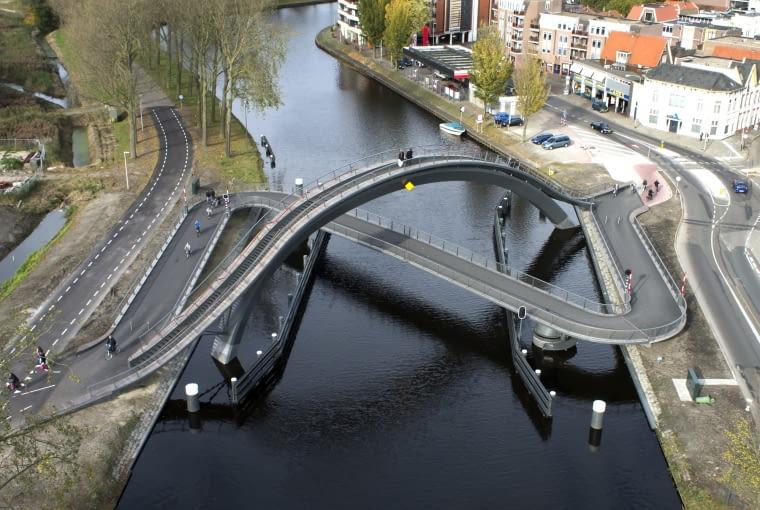 Przeprawa dla pieszych i rowerzystów w Purmerend w Holandii