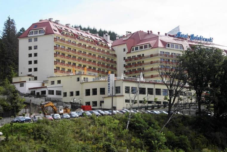 25.08.2006 MIASTO WISLA HOTEL GOLEBIEWSKI FOT. KAROL PIETEK / AGENCJA GAZETA SLOWA KLUCZOWE: GORY HOTELE GORSKA