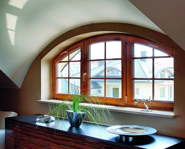 Okna 'łukowe' kosztują drożej niż prostokątne