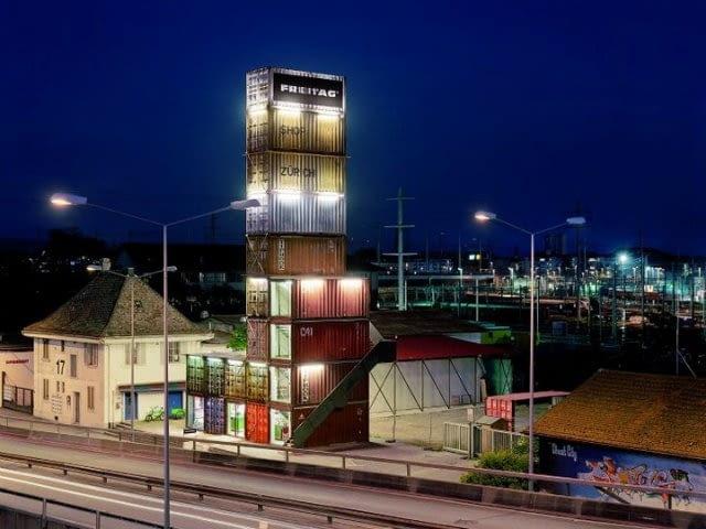 Butik Freitag w Zurychu- zarówno produkty jak i siedziba powstały przy użyciu produktów z recyclingu