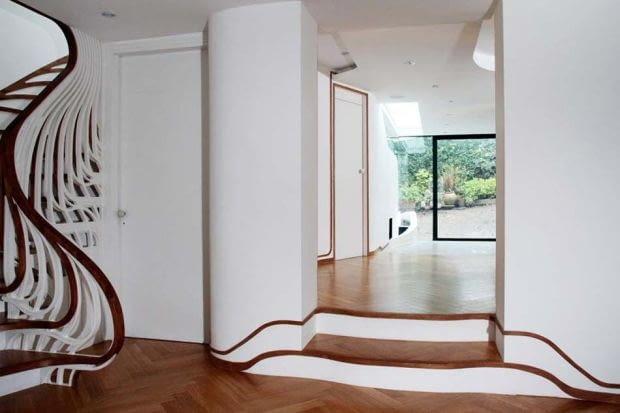 Płynne linie we wnętrzach Clapham House przywodzą na myśl dokonania artystów związanych z nurtem secesji.