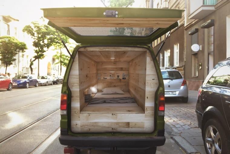 Offline Van wewnątrz