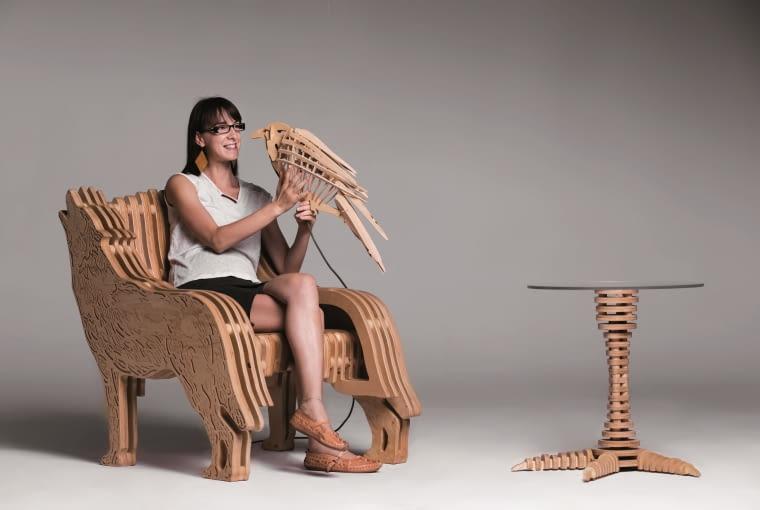 Joanna Sierdzan wśród mebli swojego projektu