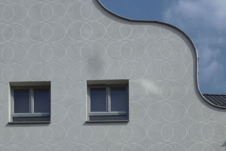 Geometryczny wzór na fasadzie, fot. Tomasz Sachanowicz