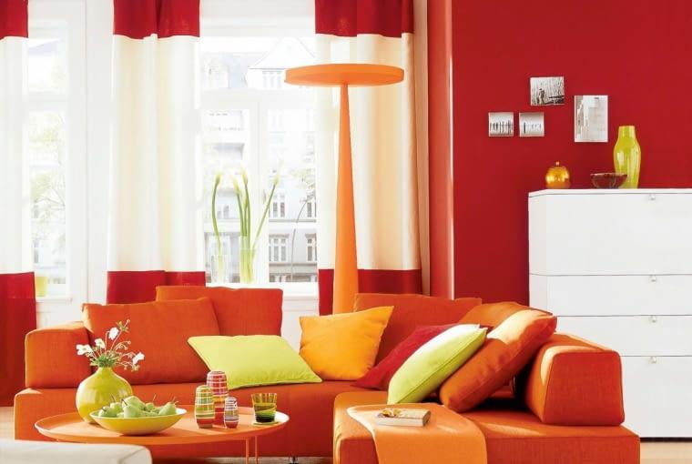 Zestawienie czerwieni i oranżu było charakterystyczne dla lat siedemdziesiątych XX wieku. Dziś powraca. Efekt - nowoczesny i dynamiczny wystrój.