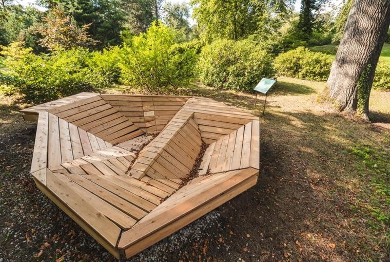 Mejsce relaksu w Ogrodzie Dendrologicznym  Uniwersytetu Przyrodniczego