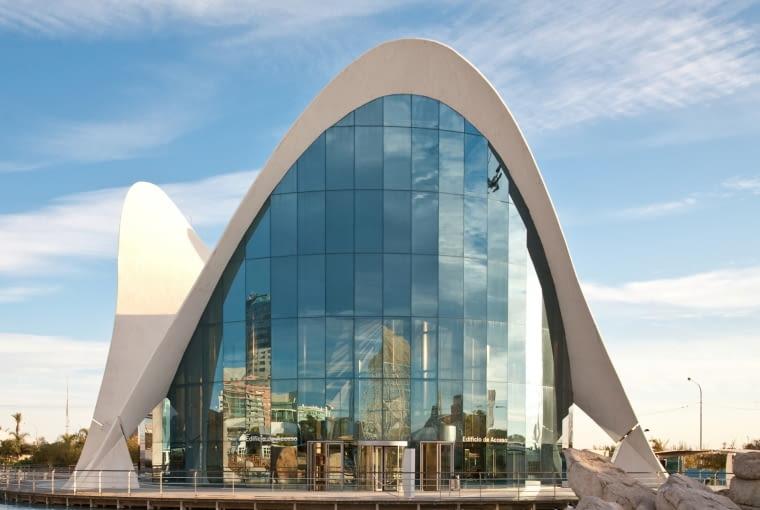 Jeden z budynków kompleksu City of Arts and Sciences w Walencji - projekt: Félix Candela (2003)