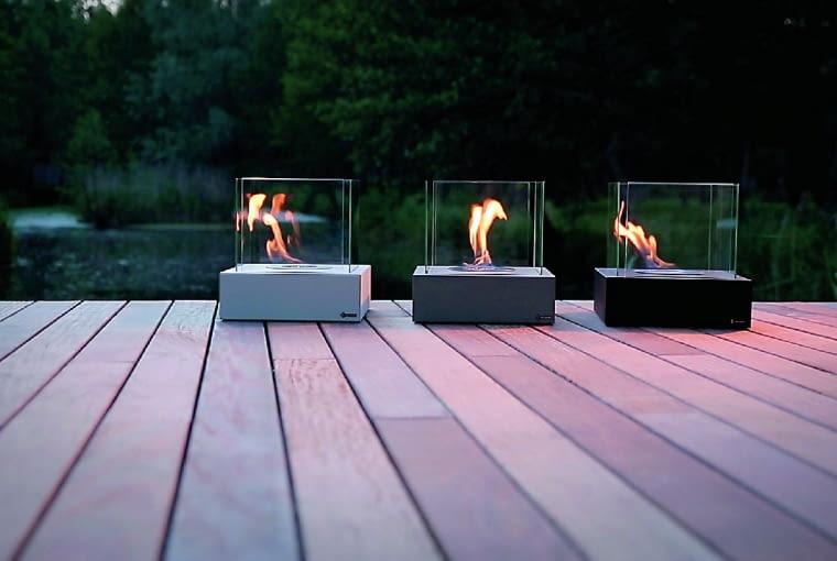 TANGO 3, wolno stojący, stal i szkło, 30 x 30 cm, poj. 0,44 l 250 zł Kratki