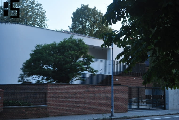 Klub Seniora i Centrum Wsparcia Opiekunów w Kępnie. Proj. Pracownia Architektoniczna Osiem Pięć Marcina Wierzbickiego.