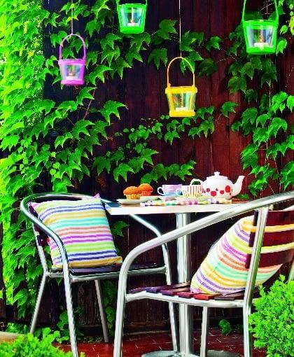 Stół i krzesła aluminiowo-drewniane