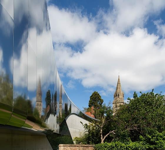 Investcorp Building, Oxford University's Middle East Centre w St Antony's College, Oxford, Wielka brytania, proj. Zaha Hadid Architects, nominacja w kategorii budynki zrealizowane, szkolnictwo wyższe i nauka.