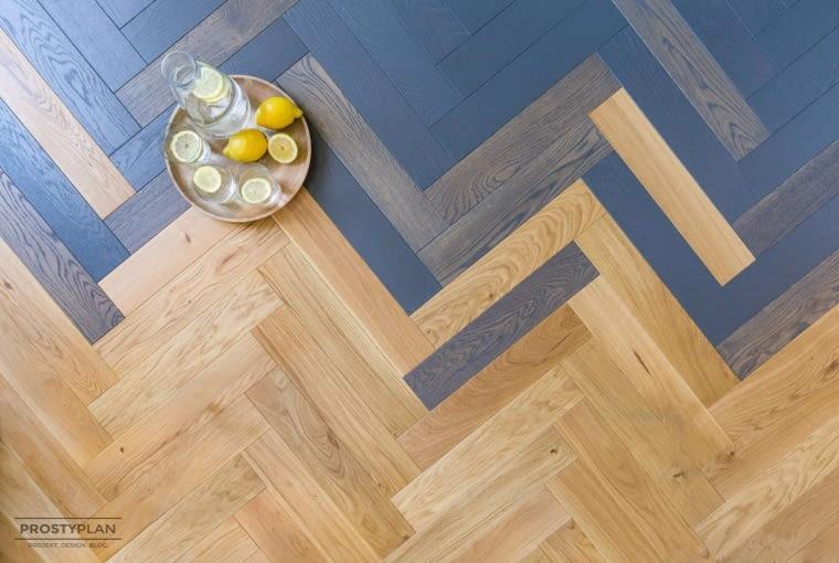 Ombre na podłodze to efekt połączenia trzech kolorów drewna.