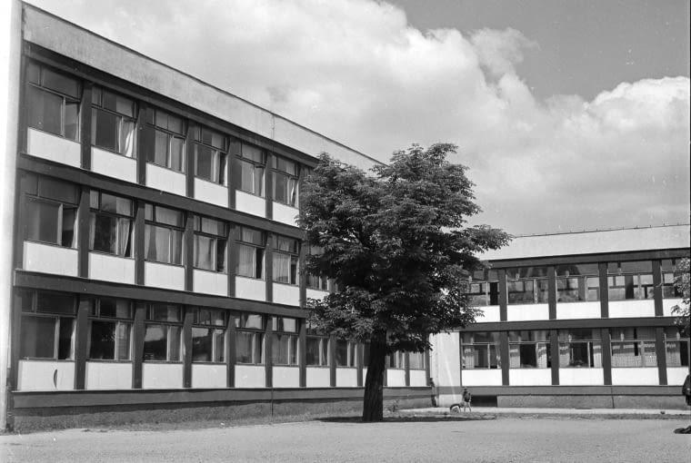 Szkoła Podstawowa nr 71 przy Podwalu, projekt 1955-56, realizacja 1958-60