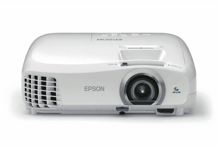 Projektor EH-TW5300, Full HD, 2200 lm, żywotność lampy do 7,5 tys. godz., cena: 3009 zł, Epson