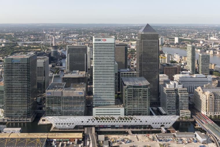Crossrail Place, Canary Wharf, Londyn, Wielka Brytania, proj. Foster + Partners, nominacja w kategori budynki zrealizowane, budynki wielofunkcyjne. Podziemna stacja będzie otwarta dopiero w 2018 roku, ale już teraz dla wszystkich zostały udostępnione znajdujące się wyżej restauracje i znajdujący się na dachu