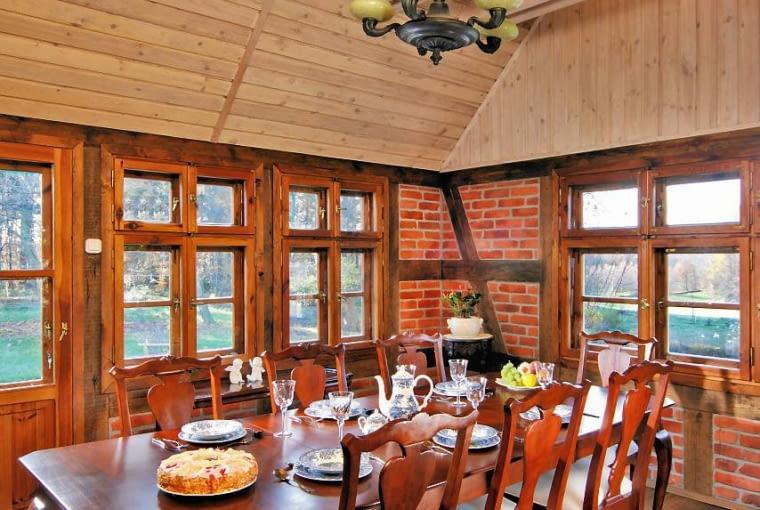 jadalnia, drewno we wnętrzu, wyposażenie wnętrz