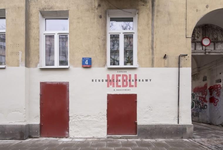 Nowy szyld dla pracowni renowacji mebli, projekt: M. Żywicki.