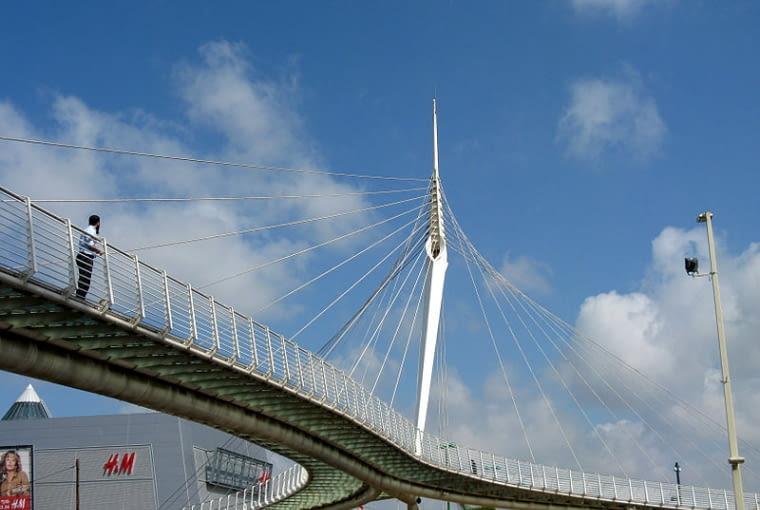 Most pieszy w Petah Tikvah, proj. Santiago Calatrava, 2005