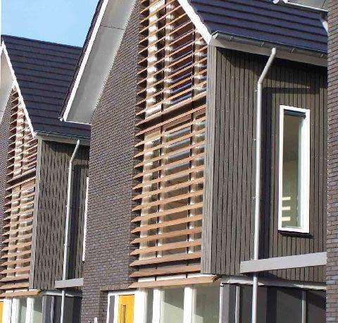 Cegła klinkierowa kojarzona głównie z tradycyjną architekturą, doskonale odnajduje się we współczesnych formach