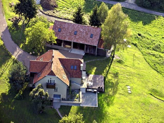 Renowacja nie ograniczała się do budynku mieszkalnego, ale objęła również stodołę