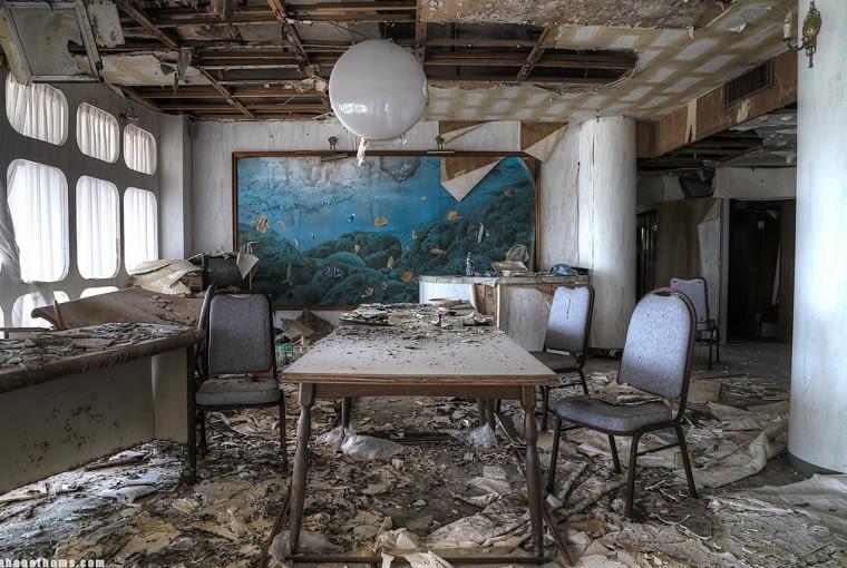Opuszczony kurort Onsen.