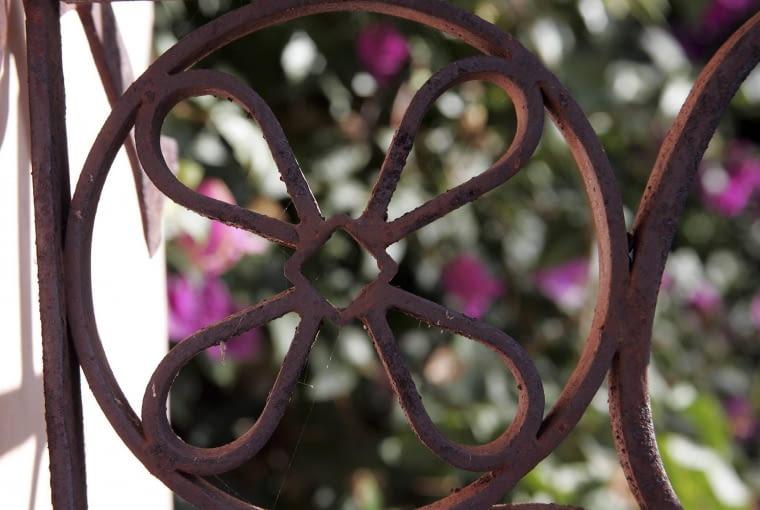 Detal ogrodowy z cortenu.