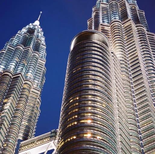 Petronas Towers, Kuala Lumpur, fot. Ángel Riesgo Martinez i (Wikimedia, CC BY-SA 2.0)