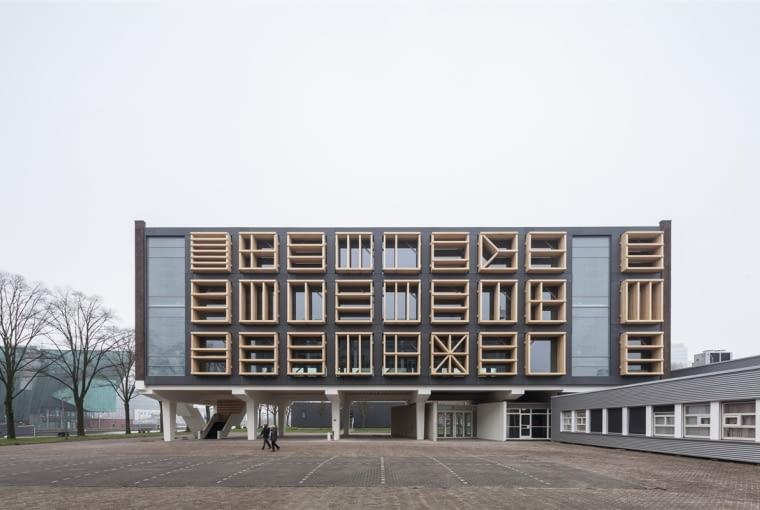 Budynek 27E na terenie dawnej Bazy Morskiej w Amsterdamie