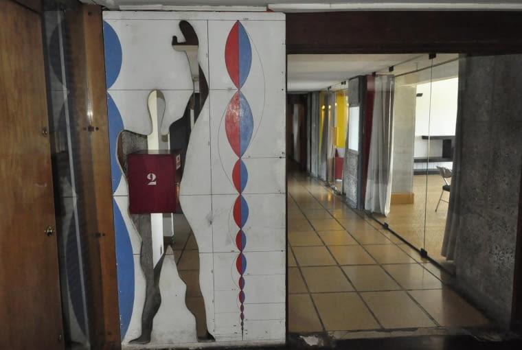 Jednostka Marsylska, proj. Le Corbusier - Modulor Man obecny także wewnątrz budynku