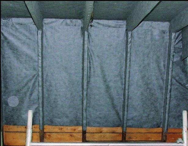 W dachu z papą na deskowaniu powinno się ułożyć od środka membranę dachową