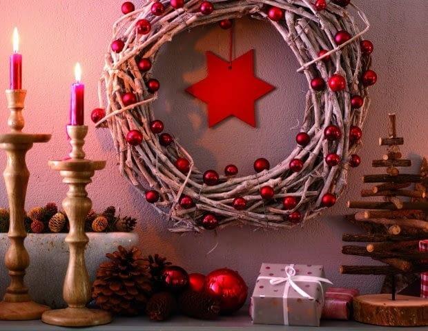 Naturalny wieniec gwiazdkowy, ozdoba świąteczna