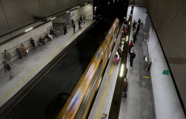 Edouardo Souto de Moura - stacja metra w Porto
