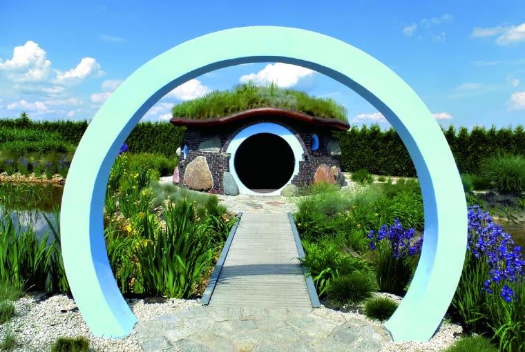 położony nad stawem tzw. domek smerfów to punkt centralny Ogrodu Letniego i ulubiony zakątek dzieci.