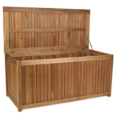 Praktyczna i elegancka skrzynia z drewna akacjowego do przechowywania poduszek, akcesoriów ogrodowych, grillowych itp. Pokrywa uszczelniana silikonem. Wymiary: szer. 1300 mm, wys. 600 mm, gł. 600 mm. Cena: 699 zł. www.jula.pl
