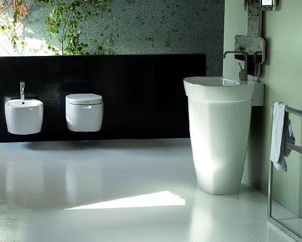 umywalki,umywalka,umywalka stojąca,umywalki ceramiczne,wyposażenie łazienki,lustro,łazienka