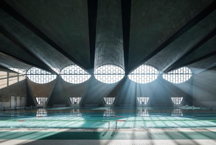 Hala gimnastyczna na kampusie Uniwersytetu Tianjin w Chinach, projekt: Atelier Li Xinggang.