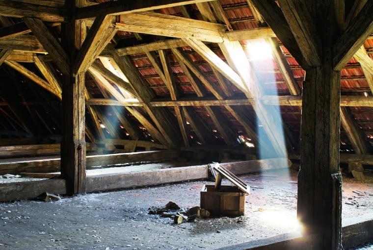 Jak ocenić stan dachu