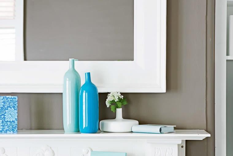Z ozdobnych listew można zrobić ramę i oprawić w nią lustro.