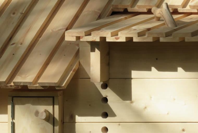 Kurnik projektu Chan Brisco Architects