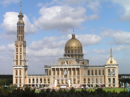 Bazylika Matki Boskiej Bolesnej Królowej Polski w Licheniu