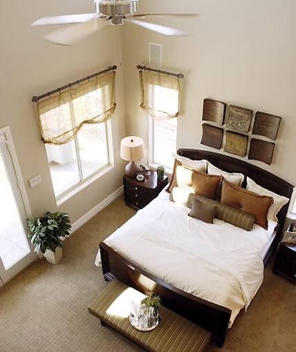 Nie każdy będzie się dobrze czuł w sypialni i innym prywatnym pomieszczeniu o podwójnej wysokości. Warto to wziąć pod uwagę na etapie planowania wnętrz